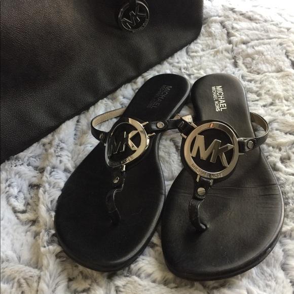 b10a66607a8 Michael kors melodie leather sandal. M 5a9f09f631a376f651b89b19